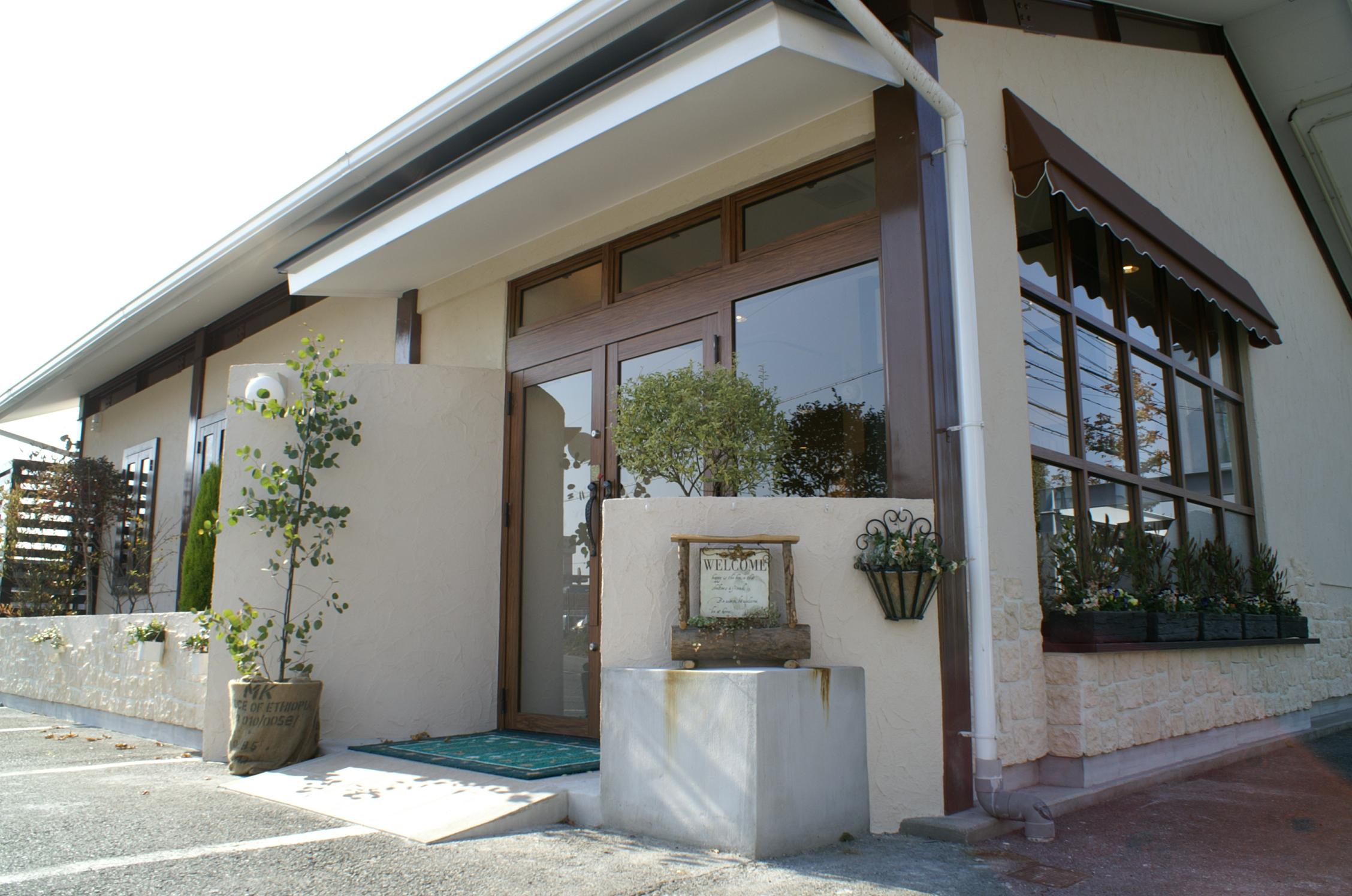 オシャマヘアーイースト飯村店